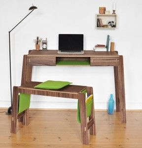 Smoly-Desk-Picture-11
