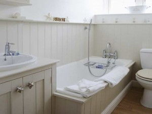 15 Small Bathroom Decorating Ideas Apartment Geeks
