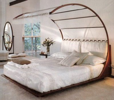 2 Canopy Romantic Bed