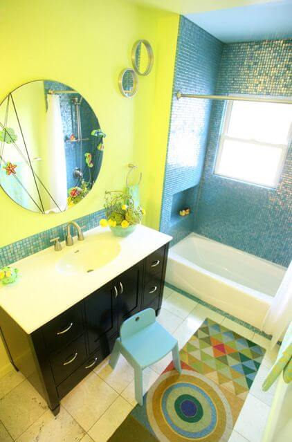 Bright inspiration the best yellow bathrooms apartment for Bright yellow bathroom accessories