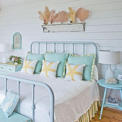 decorate your beach house with the latest trends