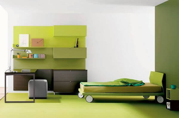 Green themed nice looking bed on wheels mod