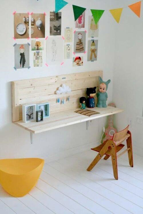 create a nice little desk for the children in your life mod