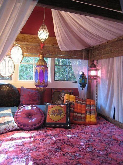 mixed throw pillows and eclectic lighting mod
