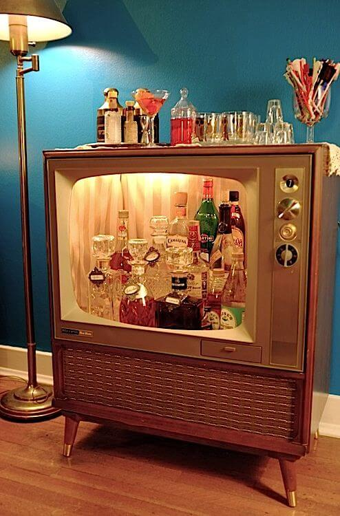 Old TV turned into a swanky retro bar mod