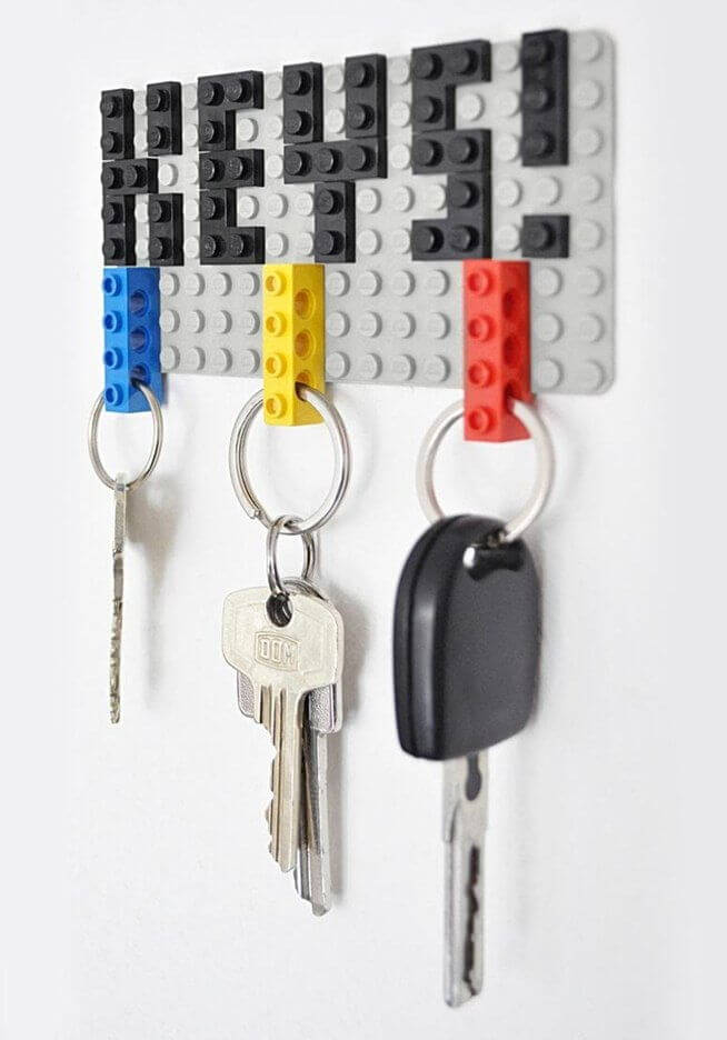 Repurpose Your Old LEGO Bricks into a Functional Hanging Key Holder mod