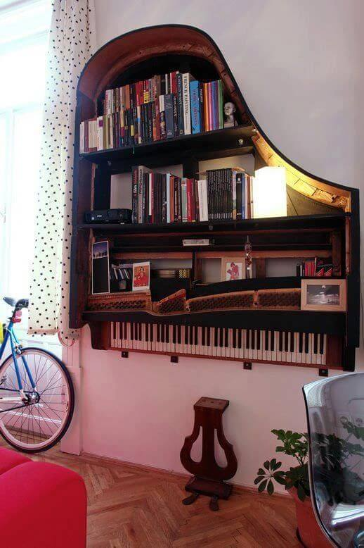Old Piano Bookshelf mod