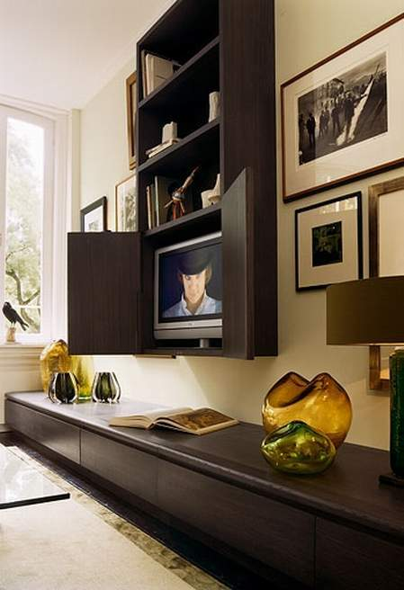 9 awesome frames for your flatscreen tv apartment geeks - Television pequena plana ...