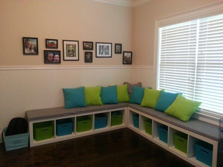 bookshelf turned into bench for kid's playroom mod