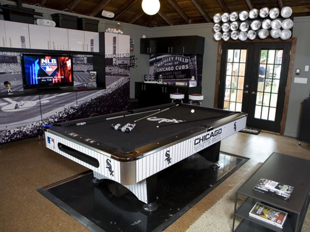 Man Cave Themes : Mind blowing entertainment dens apartment geeks