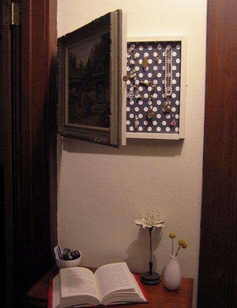 Geheimversteck Bauen 9 clever places to hide your important stuff apartment geeks