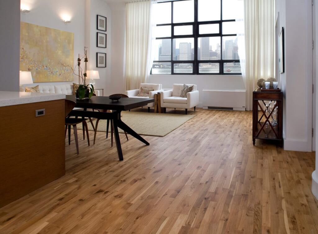 7 eco friendly flooring options for your apartment for Living room ideas oak flooring