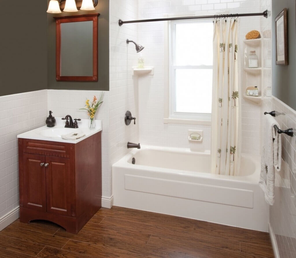 5 rental apartment remodels with the highest roi for Small bathroom remodel